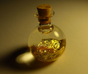 gold-in-flask-wikimedia