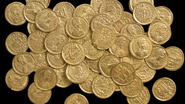 Hoard of Roman Gold Coins Found in Italy