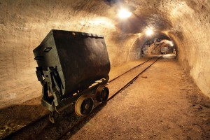 empty-gold-mine-cart