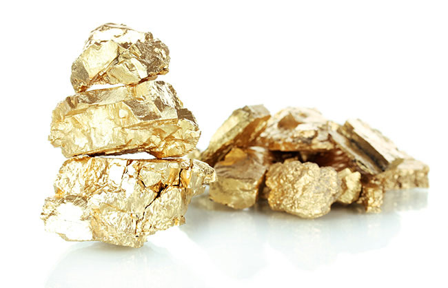 Family Stumbles On Gold Nugget in Australia