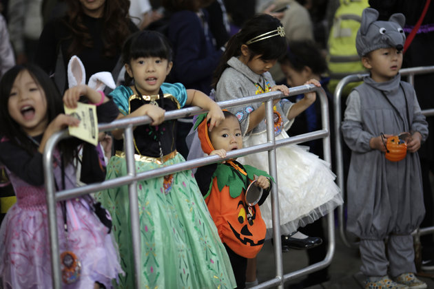 Japanese Gangsters Apologize to Children for Cancelling Halloween Festivities
