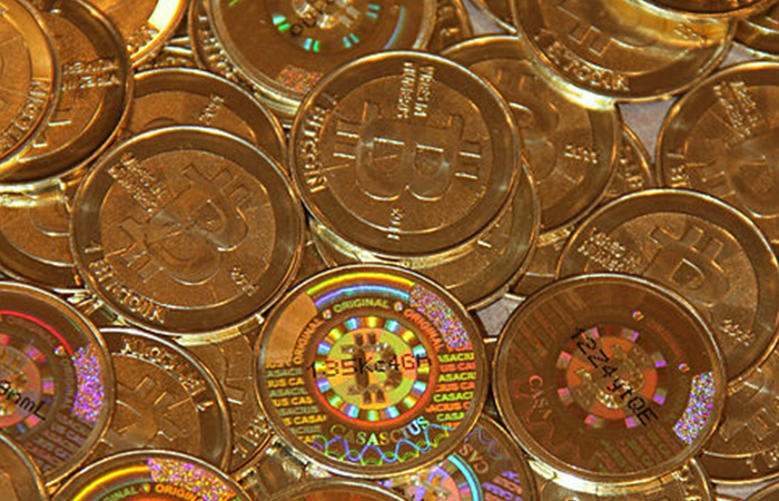bitcoins gold coins